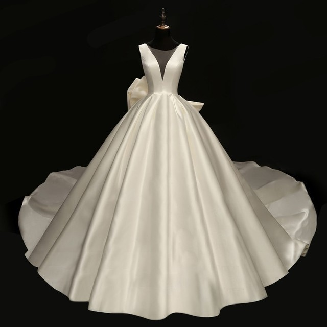 vivian s bridal 2018 retro satin face oversize bow bridal ball gown sexy  deep-v neck illusion mesh wedding reflective dress 91f8e320df03
