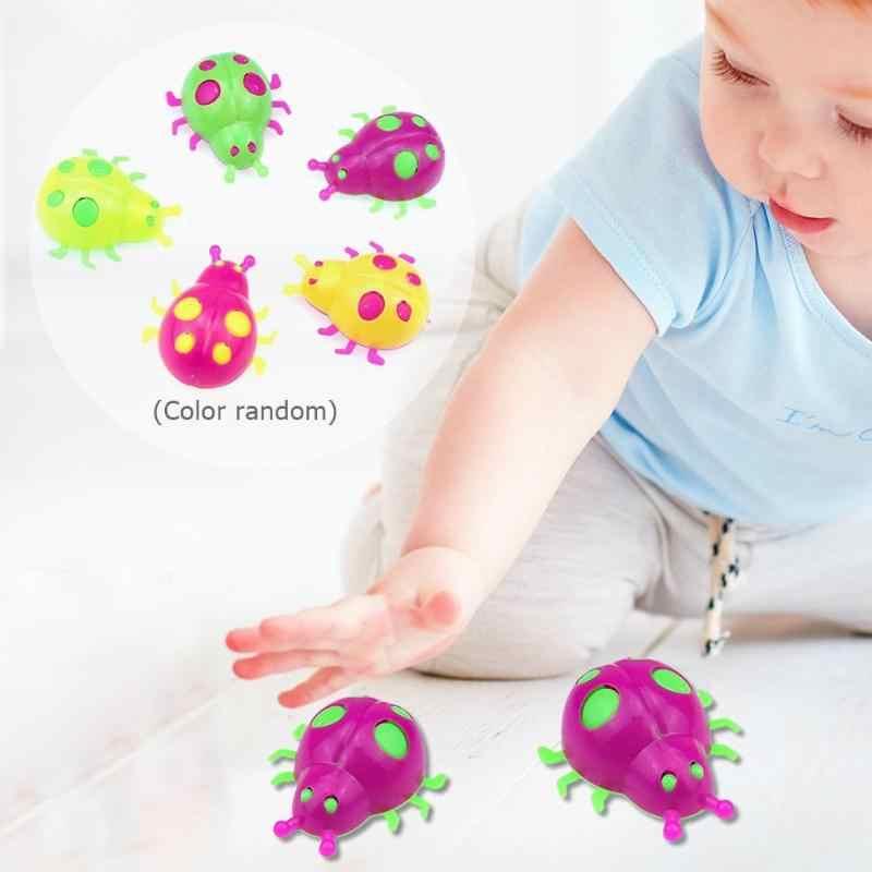 5 pçs/set Mini Joaninha De Brinquedo de Plástico com Roda Simulação Inseto Modelo Brinquedos Presente Das Crianças Set Figuras Brinquedos Educativos