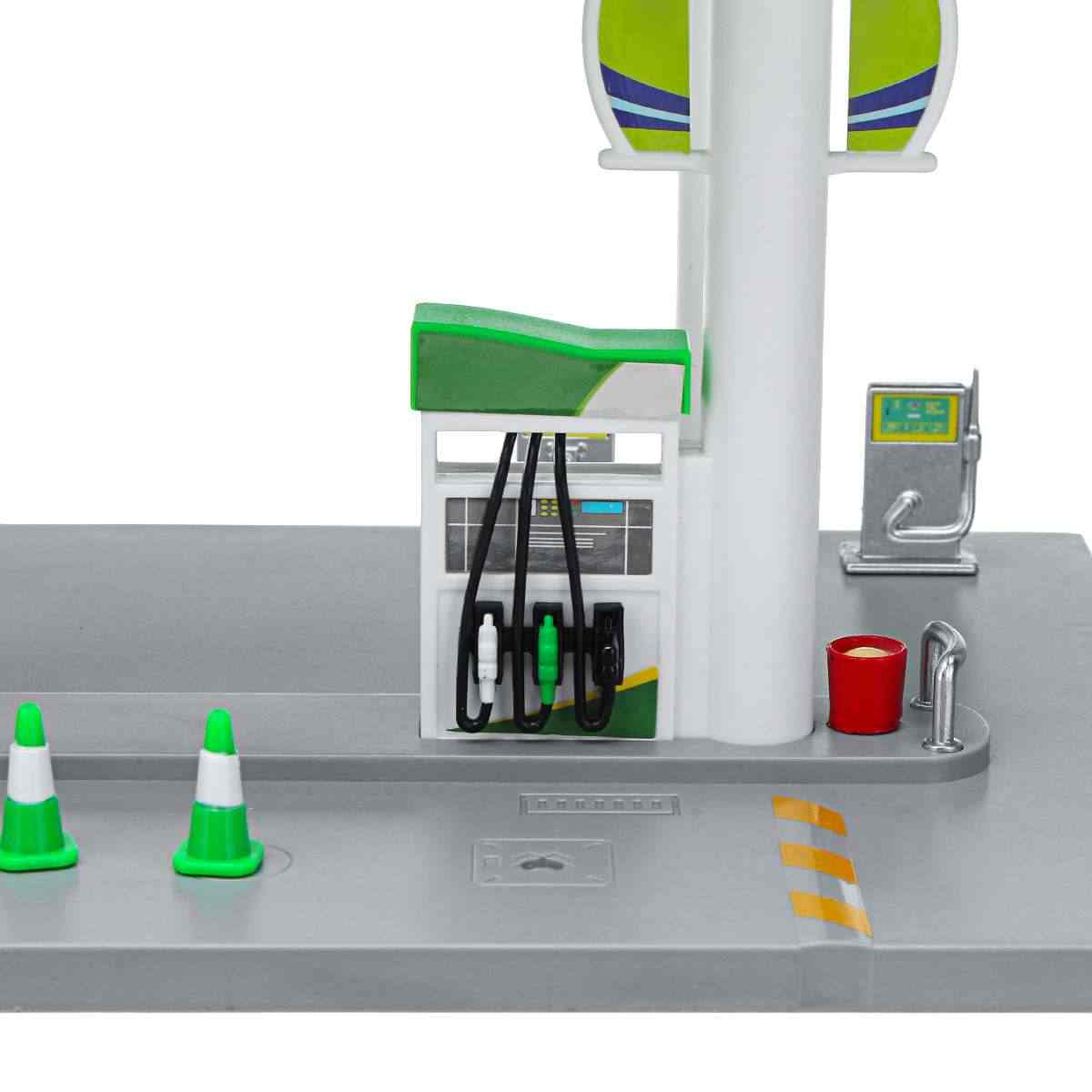 Model Toys Gas Petrol Service Station with 1:64 Diecast Toy Car Miniature Replica Playset