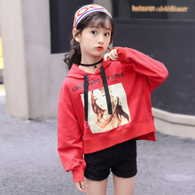 Купить с кэшбэком Girls' sweater hooded spring autumn models 2018new cotton children's long-sleeved shirt cartoon loose fashion girls clothes