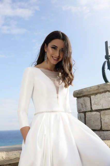 Vivian's Bridal Vintage Soft Satin Pockets Wedding Dress Sexy Front Back Deep-v Mesh Zipper Long Bridal Dress