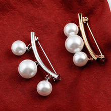 Fashion Brooches Fixed Strap Anti Slip Pin Pearl Brooch Women Jewelry Cardigan Wearing Lady Clothes New Style