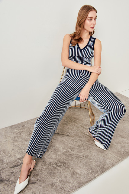 ff674a8225531 US $14.08 49% OFF|Aliexpress.com : Buy Trendyol Blue Stripe V Neck Sweater  Jumpsuits TWOSS19DU0081 from Reliable Jumpsuits suppliers on Trendyol ...