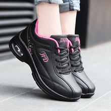 1ddc285ec 2018 Moda Coreano Preto Vermelho Branco Tênis de Plataforma Mulheres Sapatos  de Outono sapatos de Couro