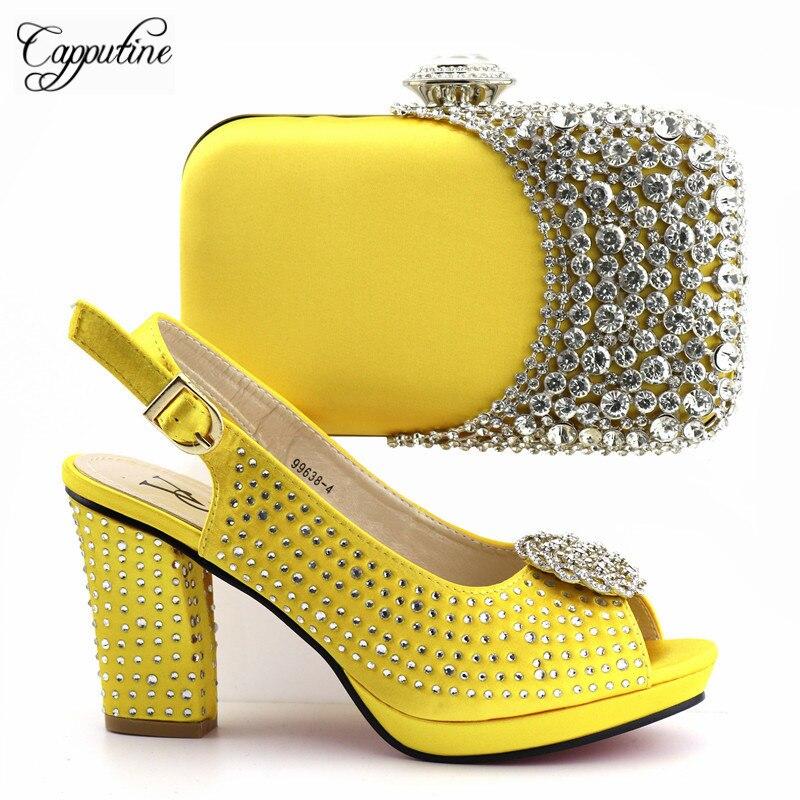 5f59d095dcccce Talons Partie jaune Sac Jaune Noir D'été Haute Nouvelle Chaussures Ensemble  Et Strass fuchsia La ...