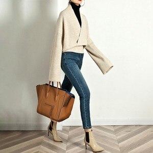 Image 5 - TWOTWINSTYLE Élégant Tricot Pull Femme À Manches Longues V Cou Hauts Pullover Femelle Décontracté Mode Tricots 2020 automne Marée