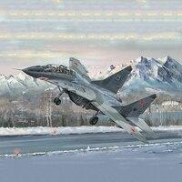 Пластик сборный самолет модель 1: 32 MiG Fighter 29UB тренер Военная Униформа серии коллекция игрушечные лошадки Бесплатная доставка