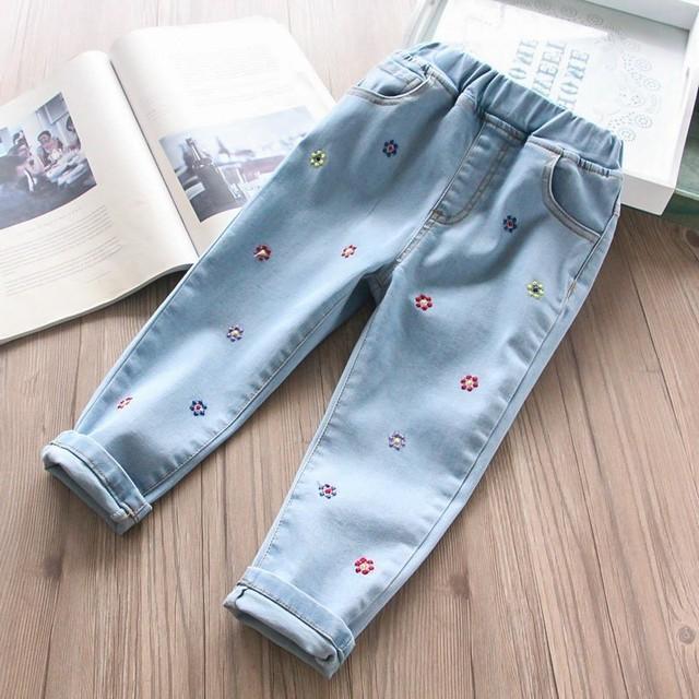 0157b608a4 Primavera bebé chica pantalones niños Denim bordado flor niño niña jeans  Pantalones Bebé Ropa boutqiues