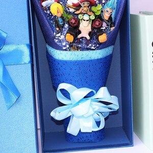 Image 3 - 13 style Anime One Piece figurka z bukietem kwiatów zabawki Luffy Nami Roronoa Zoro Model kwiaty ślub walentynki prezent