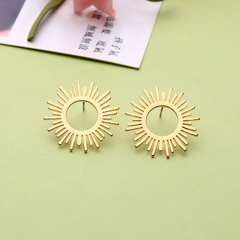 Korean Sun Star Delicate Cubic Earrings Fashion Women Jewelry Gold Color Stud Earrings Hollow Out