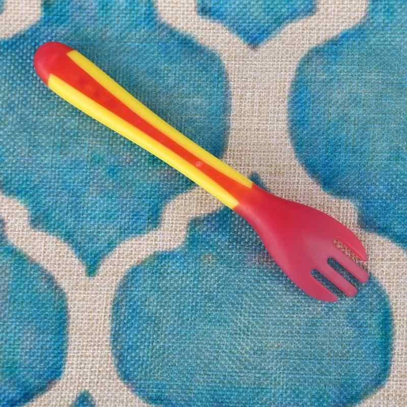 เด็กช้อนซิลิโคนและชาม Sensing ความปลอดภัยอุณหภูมิ Sucker ช้อนส้อมบนโต๊ะอาหาร Flatware เด็กให้อาหารช้อน