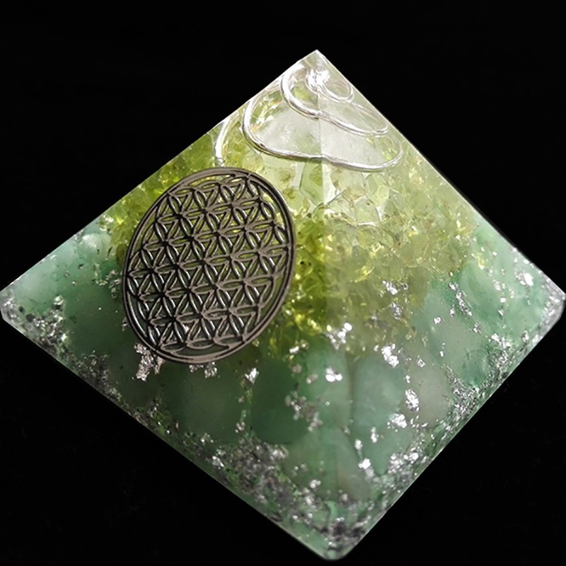 AURA REIKI Anahata Orgonite Aura Crystal Pyramid Peridot Energy Pyramid Chamuel Flower Of Life 9cm Family Decoration Pyramid