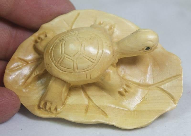 Boxwood Carving Crafts Ornaments Handwork Turtle  Leaf Turtle Hand-carved Birthday Gift Longevity Turtle Statue