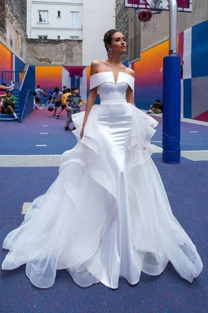 Vivian 39 s Bridal 2019 Hot Reflective Dress Satin Wedding Dress Sexy Strapless Off Shoulder Detachable Train Mermaid Bridal Dress in Wedding Dresses from Weddings amp Events