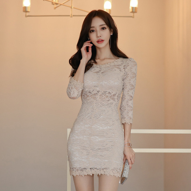 Foamlina Lace Dress Women Summer 2019 Elegant Hollow Out Floral Mini Sexy Dress 3/4 Sleeve Backless Ladies Bodycon Party Dress