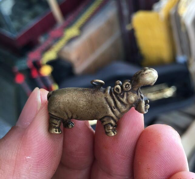 Collectable Chinese Brass Carved Hippopotamus  Exquisite Small Pendant Statues