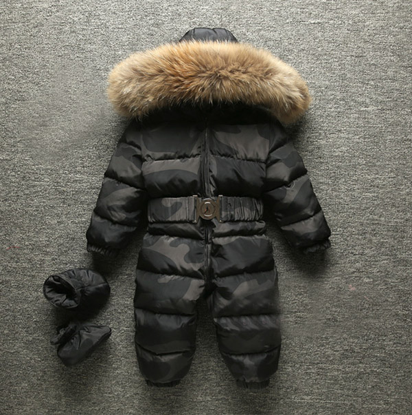 Baby jumpsuit Boys and girls have thick down coats Childrens ski wear Send shoes Good quality Baby jumpsuit Boys and girls have thick down coats Childrens ski wear Send shoes Good quality