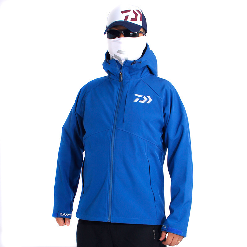 New 4 Colors DAIWA Outdoor Fishing Clothing Jacket Soft Shell Fleece Warm Waterproof Mountaineering Capming Pesca Men Clothes