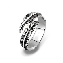 Unique Resizable Feathers Rings For Women Men Allergy Silvery Retro Alloy Ring Punk Biker Style Feather Jewelry Fashion Rings simple style fashion feather wings couple ring punk biker jewelry silver black colors vintage rings for men women