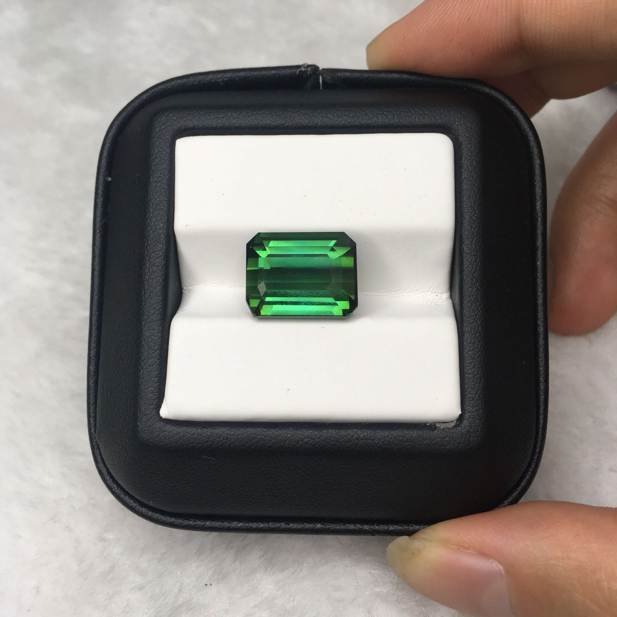 MELE High quality natural green tourmaline for jewelry making,13.28mmX10.56mm 11.4ct Square cut loose gemstone DIY main stoneMELE High quality natural green tourmaline for jewelry making,13.28mmX10.56mm 11.4ct Square cut loose gemstone DIY main stone