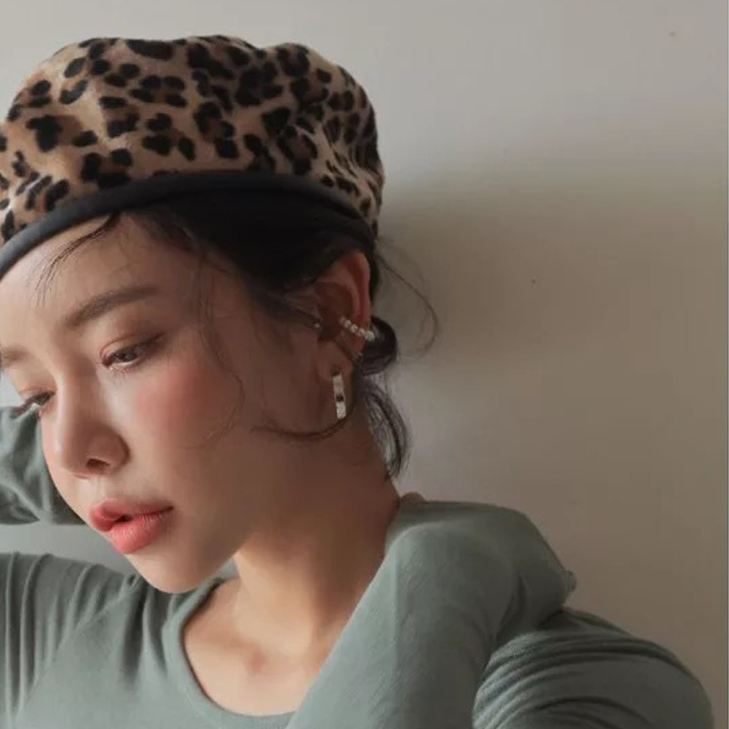 Elegant Leopard Beret Hat Women Winter Warm Female Wool Cap Autumn 2018 Woman Hats British Octagonal Cap Girl Beret Casual Caps