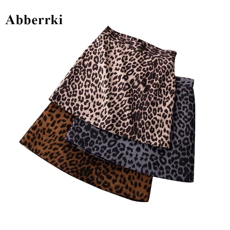 c414b258c Corto mujeres falda de leopardo Faldas Cortas Mini Jupe señoras Sexy falda  con pantalones cortos de fiesta falda
