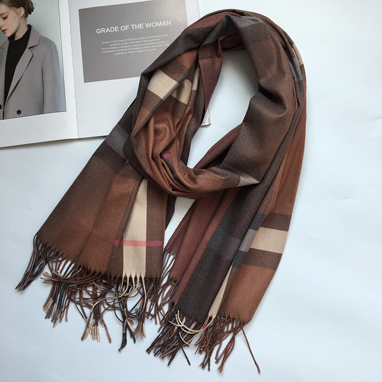 2018 New Gradient British Graduated Lattice Scarf Women Elegant Fashion Thick Man Scarves Couple New Winter
