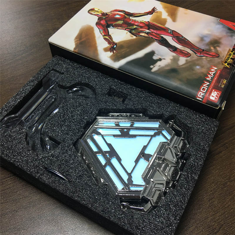 Oyuncaklar ve Hobi Ürünleri'ten Aksiyon ve Oyuncak Figürleri'de Yeni Demir Adam Mark 50 MK50 Nano Takım Zırh Ark Reaktör led ışık şekilli kalıp Oyuncak Bebek Avengers Ekran Standı Koleksiyonları'da  Grup 3