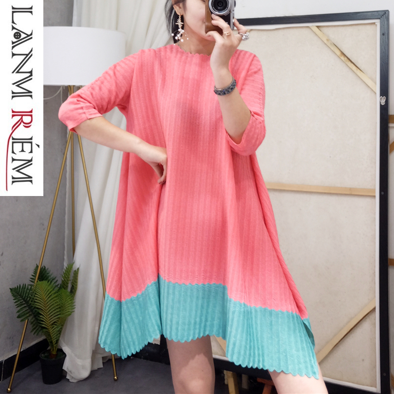 LANMREM 2019 Spring Pleated Clothes For Women Temperament Contrast Color Irregular Niche Three Quarter Sleeve Female