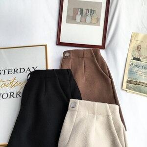 Image 3 - Hiver laine Shorts femmes taille haute femme en vrac épais chaud taille élastique bottes Shorts jambe large a ligne Shorts mode coréenne