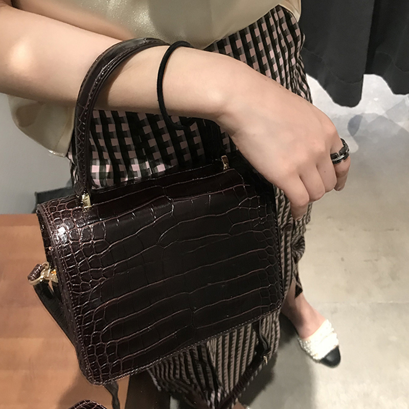 2019 Spring Summer Woman New Stylish Wine Red Color Alligator Pattern Portable Pu Leather Handbag All Match Lm028 To Win Warm Praise From Customers super Seabob Search For Flights