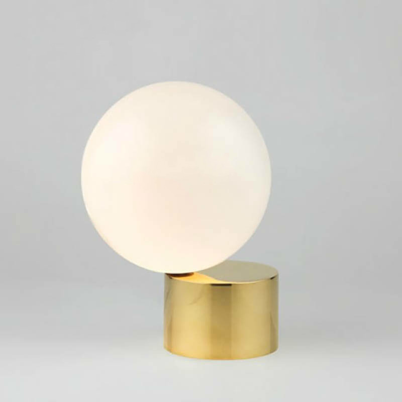 Nordic Modern Round Ball Glass Led Table Lamp Simple Creative Metal Desk Lamp Beside Bedroom Studt Decoration LightingNordic Modern Round Ball Glass Led Table Lamp Simple Creative Metal Desk Lamp Beside Bedroom Studt Decoration Lighting