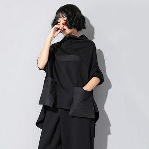 Image 4 - EAM T shirt manches longues col haut noir, ample avec couture avec poches, ourlet irrégulier, grande taille, à la mode femme, printemps automne 2020, JQ018