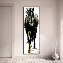 AAVV Wall Art ภาพผ้าใบภาพวาดสัตว์สีดำและม้าขาวสำหรับห้องนั่งเล่นตกแต่งบ้านไม่มีกรอบ