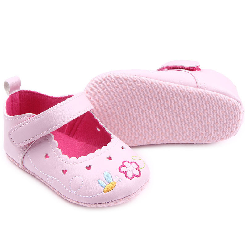 0 18 Months Cute Baby Shoes Sneaker Anti slip Soft Sole Embroidered Princess Shoes Crib Shoes New YJS Dropship in First Walkers from Mother Kids