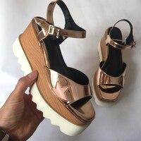 2018 популярная Летняя женская обувь на высокой танкетке, на платформе, с квадратным носком, с ремешком на щиколотке, сандалии в Звездном стил