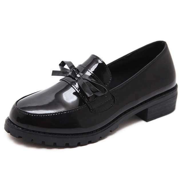 Women Flats Shoes 2019 New England Woman Autumn Cross Tied Lace Up Retro Martin Shoes Comfort Casual Shoes Female