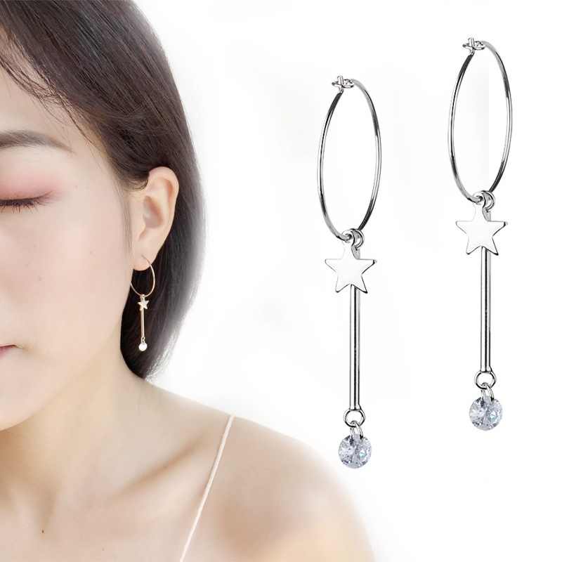 New ! Pair  Of  Sterling  Silver  925  Pointing  Hands   Dangly  Earrings  !