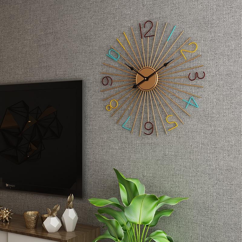 Creative grande horloge murale en métal Design moderne sur le mur Art de fer européen grandes horloges suspendues montre murale décor à la maison