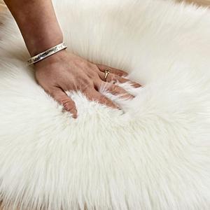 Image 3 - Lovely Sweet Love Heart Shape Carpet Faux Fur Antiskid Doormats Floor Rugs Decor for Bedroom Kitchen Living Room #125