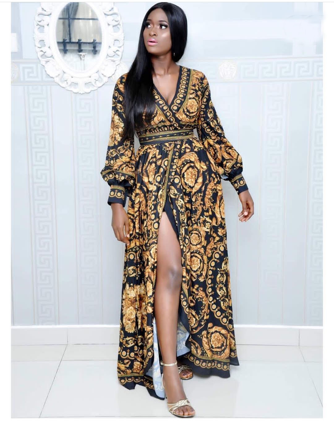 2019 Spring And Summer Hot Sale, Leisure, Hot V Collar Cardigan Digital Printing Big Name Belt Slit Sexy Dress