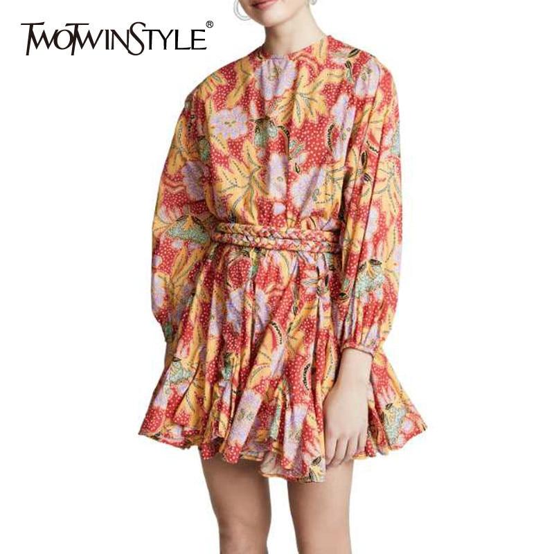 Kadın Giyim'ten Elbiseler'de TWOTWINSTYLE Bahar Çiçek Baskı Elbiseler Kadın Fener Uzun Kollu Lace Up Mini evaze elbise Kadınlar Için 2019 Vintage Elbise'da  Grup 1