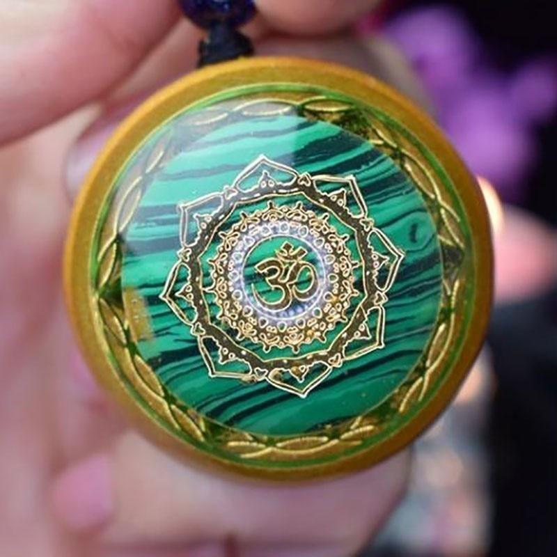 AURA Reiki Orgonite Divination Pendant Necklace Natural Energy Crystal Guardian Pendant Enhances Fortune Jewelry Unisex