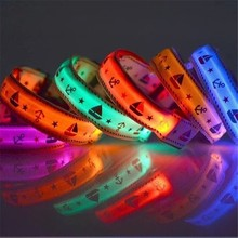 Christmas Nylon LED Pet Dog Collar,Night Safety Flashing Glow In The Dark Leash,Dogs Luminous Fluorescent Collars Light