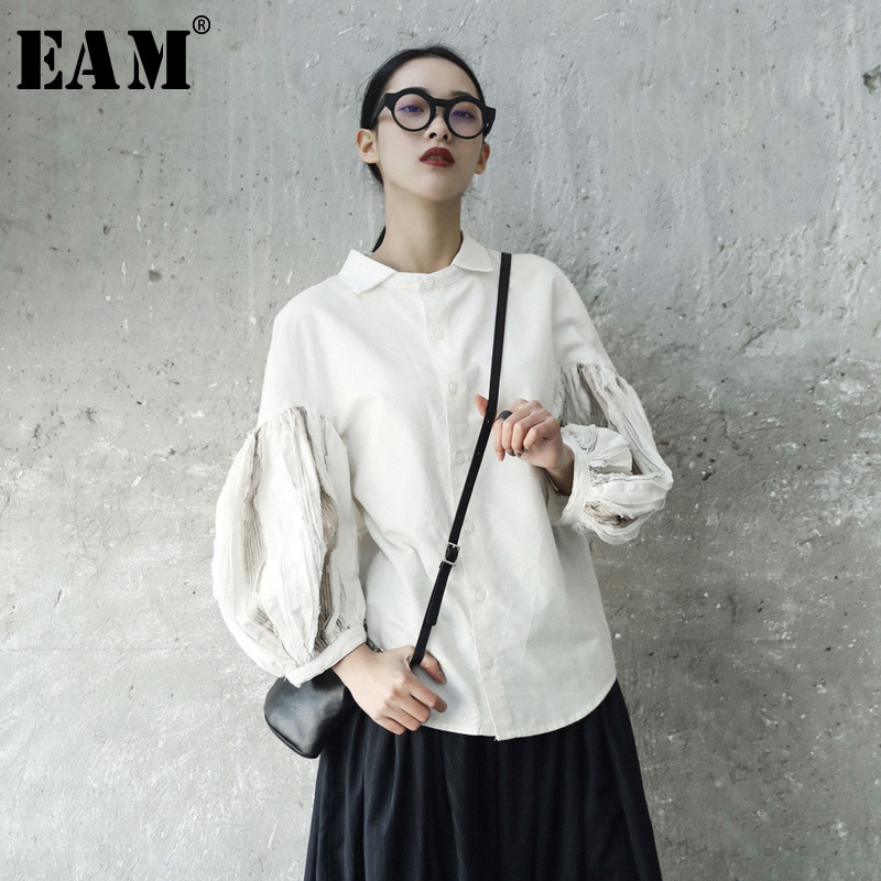 [EAM] 2020 New Spring Summer  Lapel Long Lantern Sleeve Fold Split Joint White Loose Shirt Women Blouse Fashion Tide JE82000S