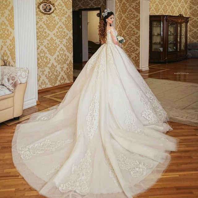 Saudi Arabia Turkey Women Ball Gown Hand Made Wedding Gown lace Appliques Wedding dress Bridal dress Vestido De Noiva