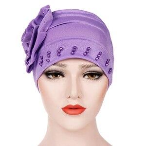Image 3 - 패션 여성 새로운 스타일 뻗 치고 큰 꽃 스카프 모자 이슬람 머리 랩 모자 chemo turban 숙녀 bandanas 헤어 액세서리