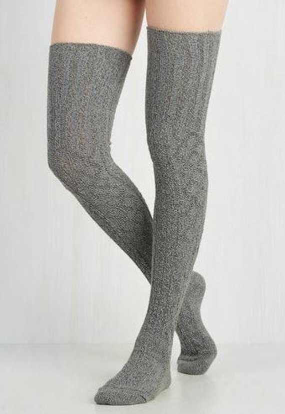 แฟชั่นผู้หญิงสุภาพสตรีสีเทาสีดำถุงน่องสายถักยาวพิเศษ Boot กว่าเข่าต้นขาสูงอบอุ่น