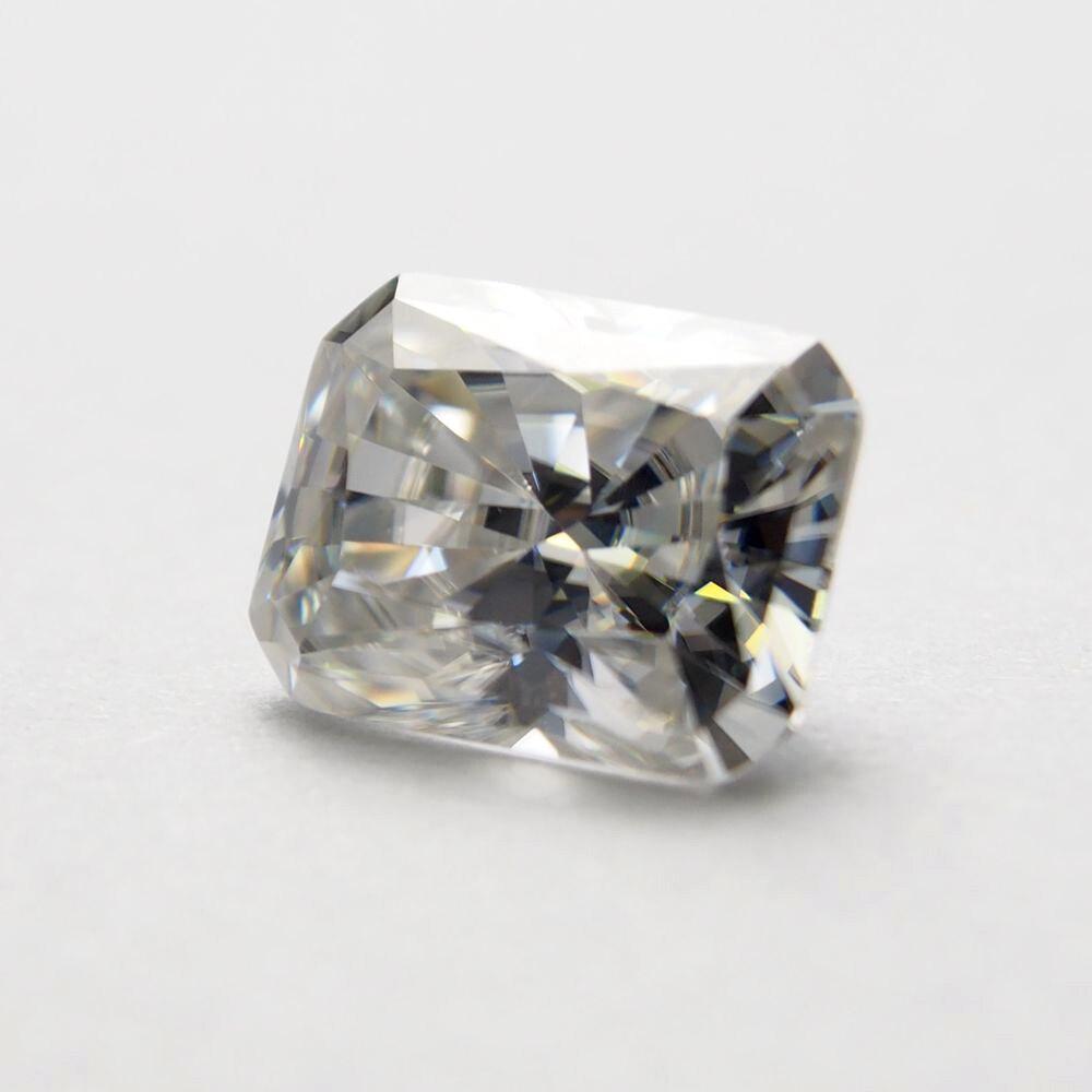 7*9mm Radiant Cut 2.43 carat VVS Moissanite Super White Loose Moissanite Diamond for Wedding Ring7*9mm Radiant Cut 2.43 carat VVS Moissanite Super White Loose Moissanite Diamond for Wedding Ring