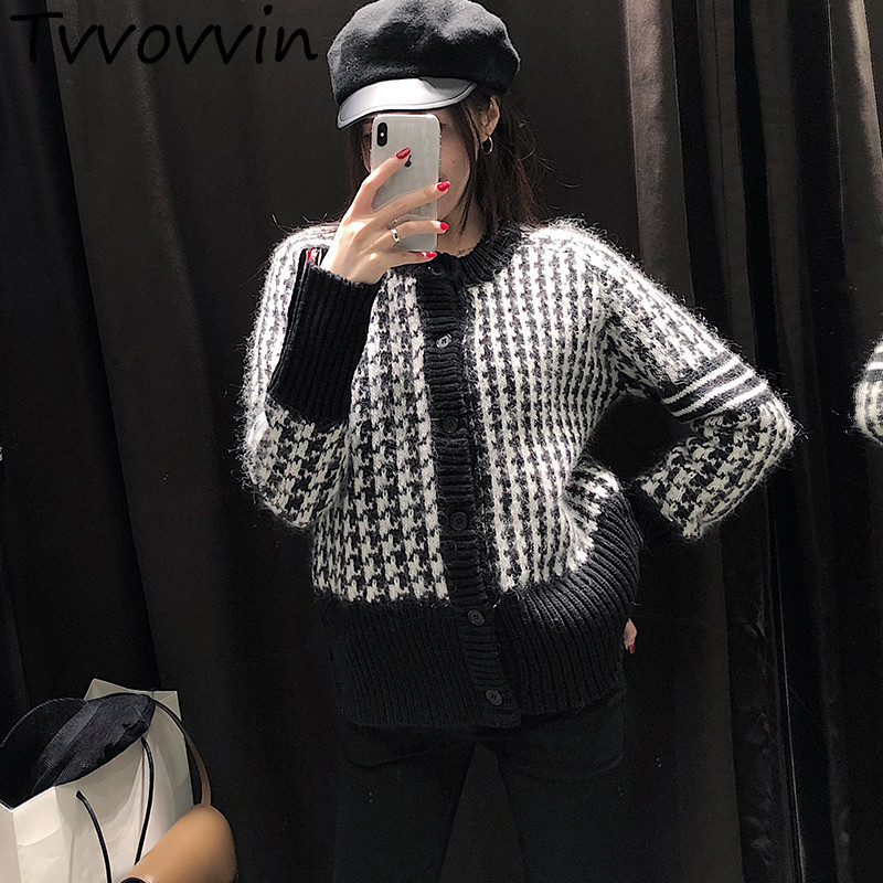 Autumn and winter fashion Classic Plover A Wide Range Of Styles Knitting pullovers Loose Coat Woman L561